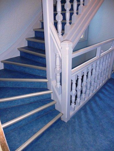 Peinture et revetement de sol cage d 39 escalier jpeinture for Peinture sol escalier